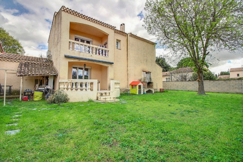 Location maison / villa Marguerittes 1 219€ CC - Photo 1