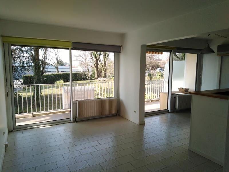 Rental apartment Ste foy les lyon 1100€ CC - Picture 2