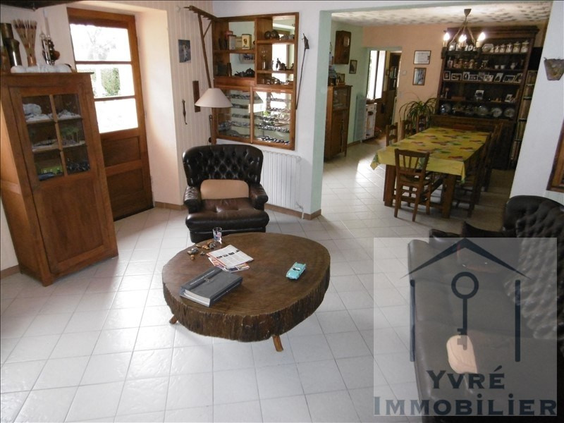 Sale house / villa Yvre l'eveque 220 500€ - Picture 3