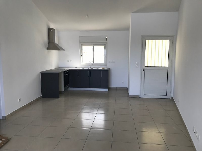 Location appartement St philippe 600€ +CH - Photo 1