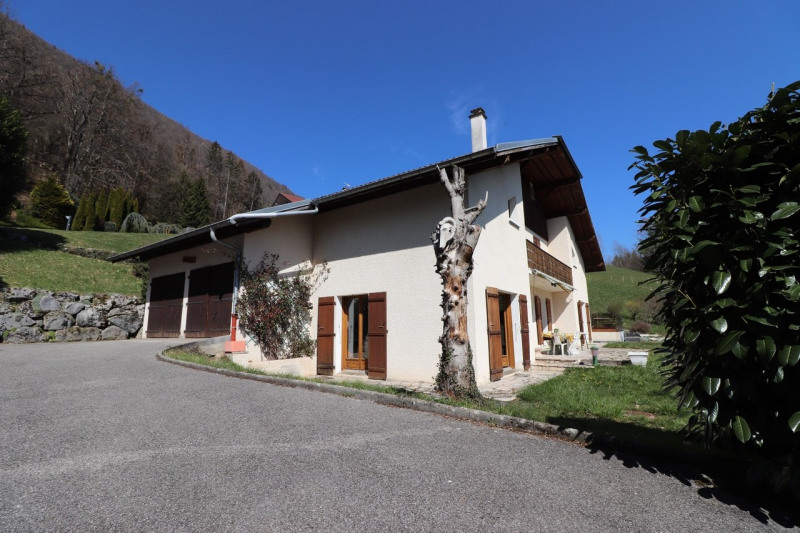 Deluxe sale house / villa Annecy 934000€ - Picture 1