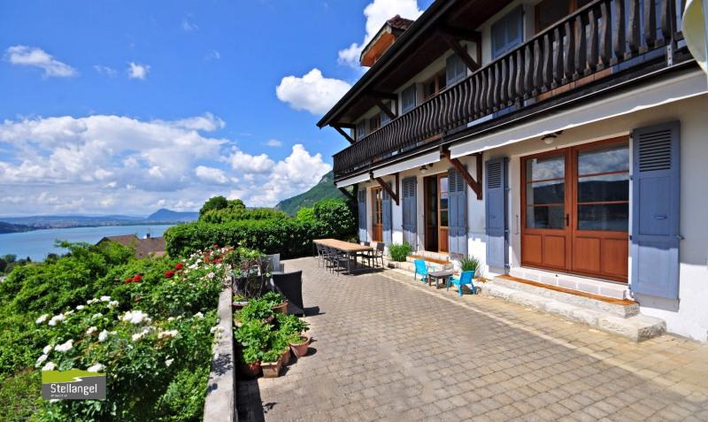 Deluxe sale house / villa Veyrier du lac 1785000€ - Picture 1