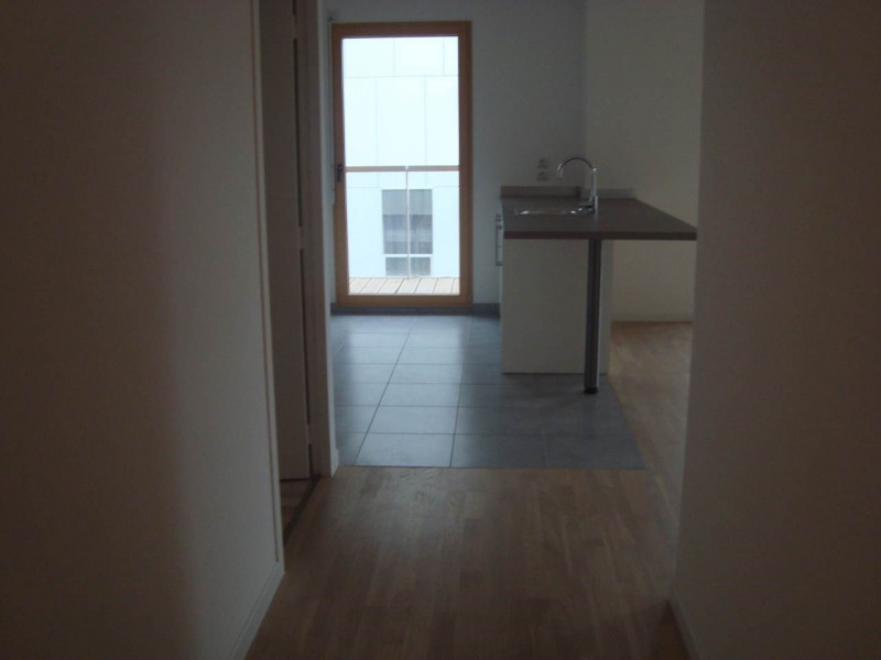Rental apartment Annemasse 1 388€ CC - Picture 5