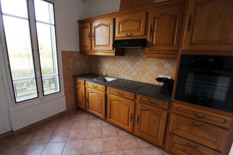 Rental house / villa Le mesnil st denis 1230€ CC - Picture 3