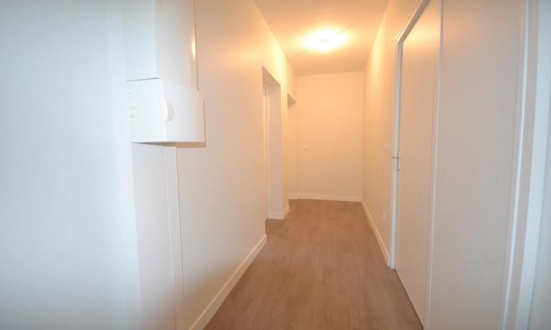 Rental apartment Les clayes sous bois 950€ CC - Picture 4