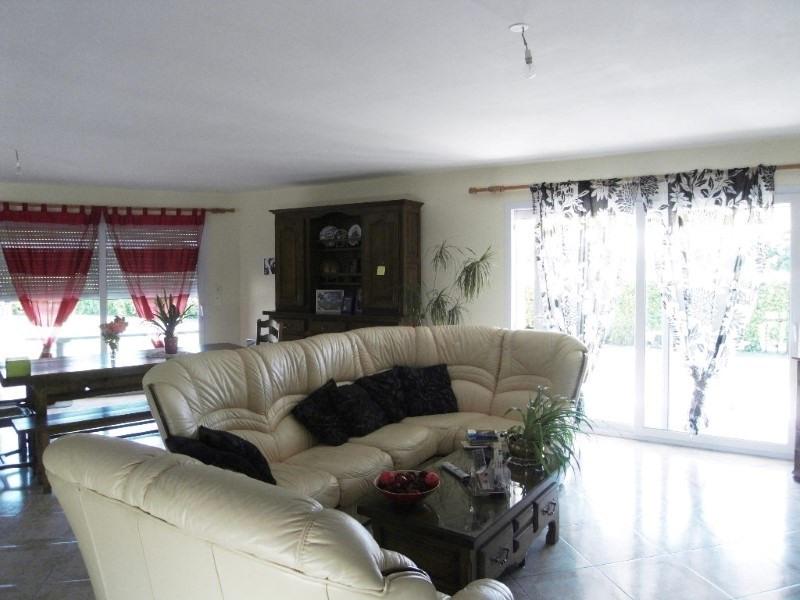 Rental house / villa Germignac 890€ CC - Picture 4