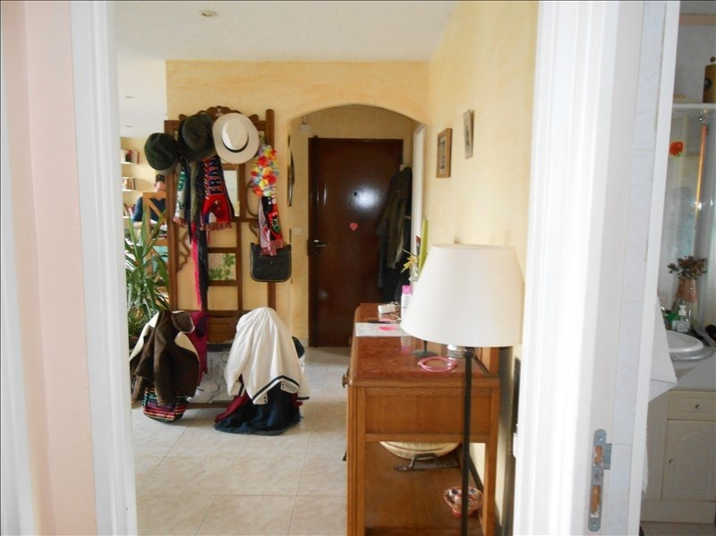 Sale apartment Cannes la bocca 230 000€ - Picture 6