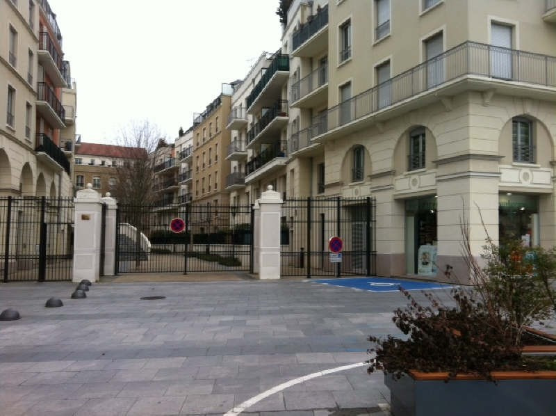 Rental apartment Poissy 836€ CC - Picture 2