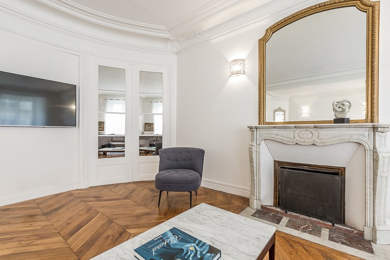 Location appartement Paris 16ème 5 500€ CC - Photo 7