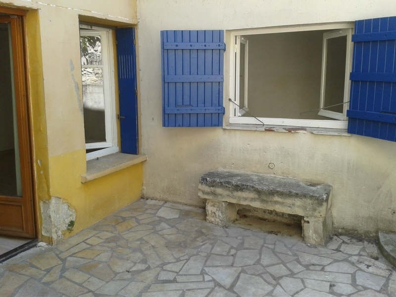 Rental apartment Nimes 390€ CC - Picture 2