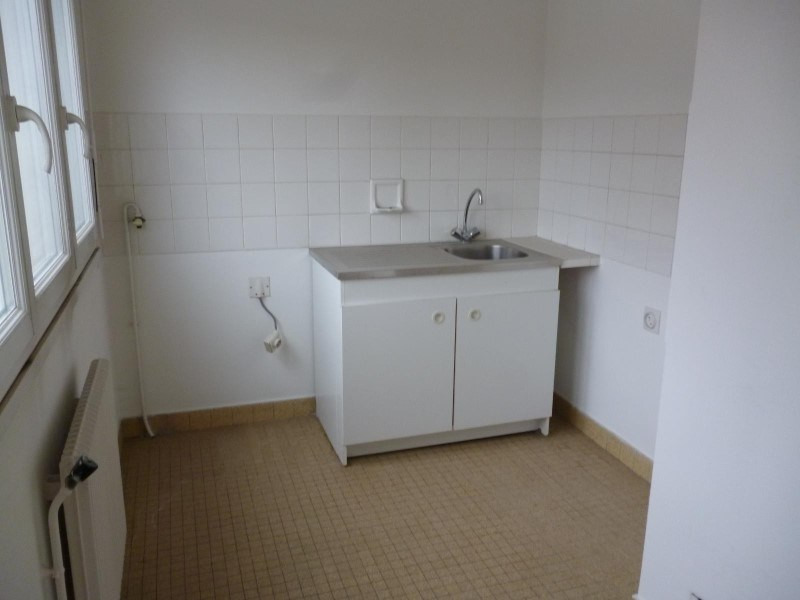Rental apartment Le coteau 310€ CC - Picture 3