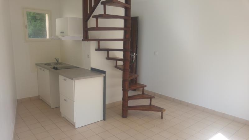 Rental apartment Villeneuve le comte 580€ CC - Picture 2