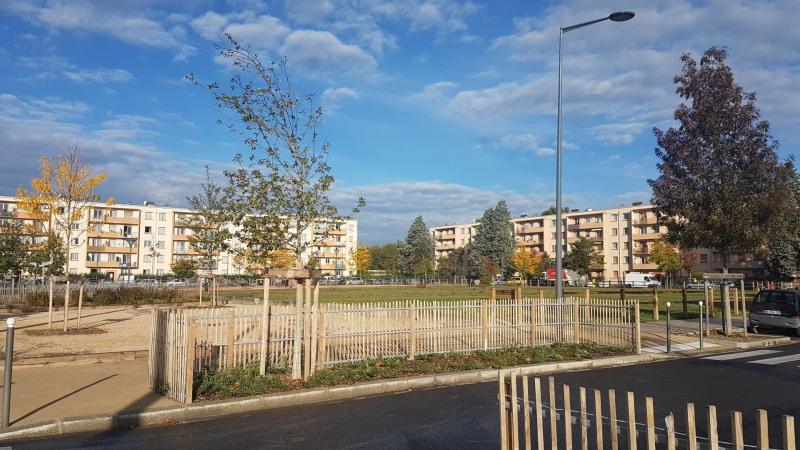 Verkoop  appartement Vaulx-en-velin 94000€ - Foto 6