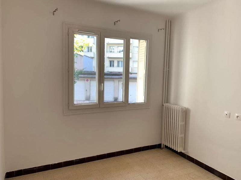 Location appartement Aix en provence 820€ CC - Photo 3