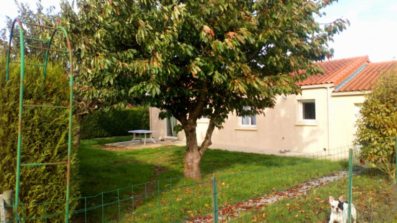 Location maison / villa Chemille en anjou 570€ CC - Photo 4