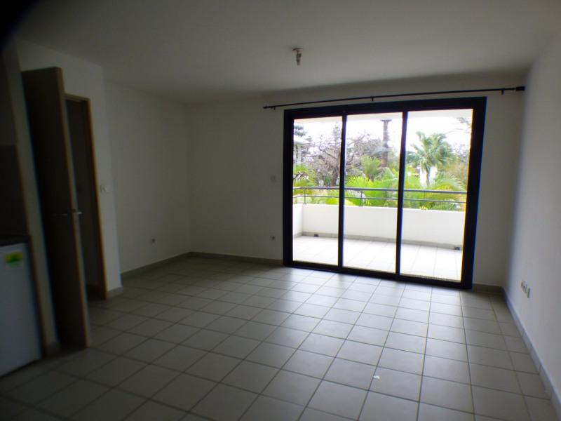 Sale apartment St pierre 119900€ - Picture 3