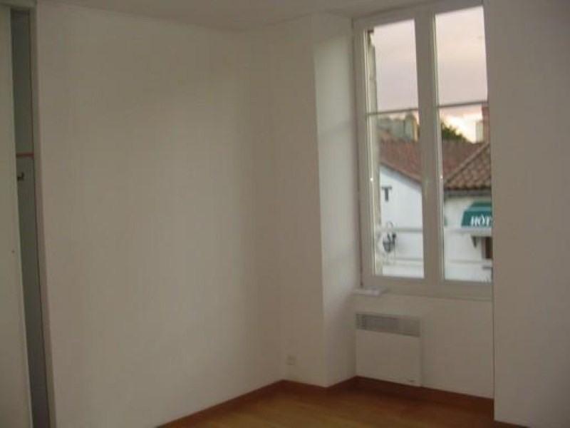 Location appartement Ste pazanne 585€ CC - Photo 3