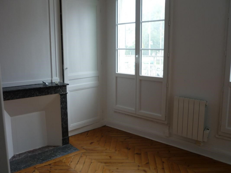 Location appartement Lisieux 380€ CC - Photo 2