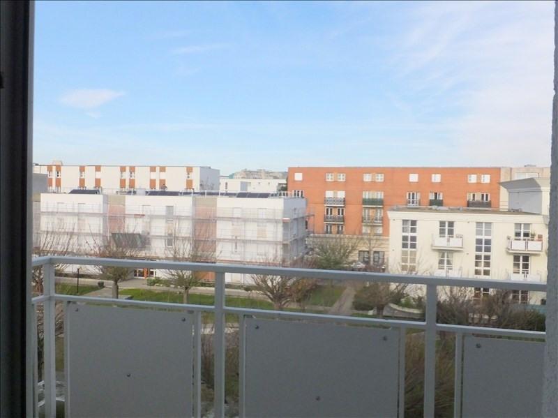 Locação apartamento Montigny le bretonneux 880€ CC - Fotografia 1