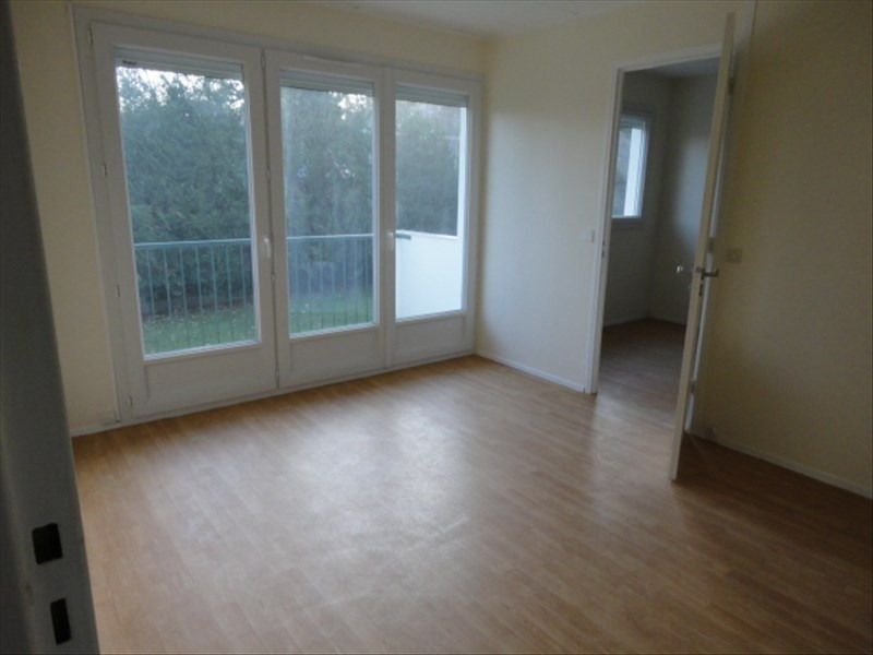 Rental apartment Bures sur yvette 811€ CC - Picture 2