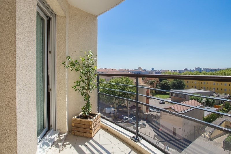 Sale apartment Lyon 7ème 452 000€ - Picture 1