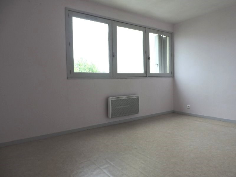 Rental apartment Agen 290€ CC - Picture 3