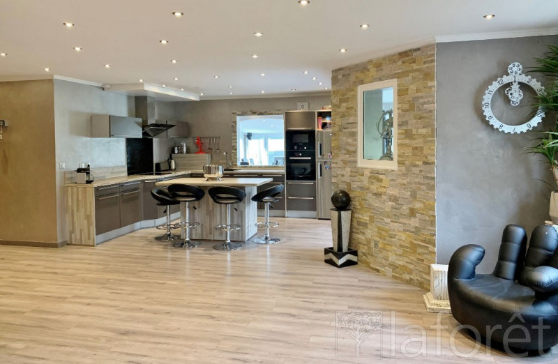 Sale house / villa Bourgoin jallieu 369000€ - Picture 3