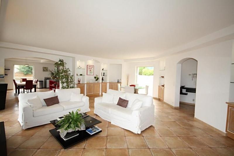 Deluxe sale house / villa Golfe-juan 1295000€ - Picture 2