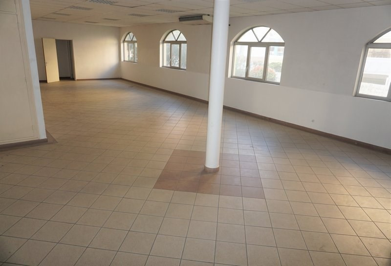 Location local commercial St denis 3400€ CC - Photo 6
