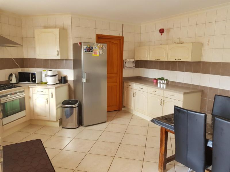 Sale house / villa Beaurepaire 440000€ - Picture 2