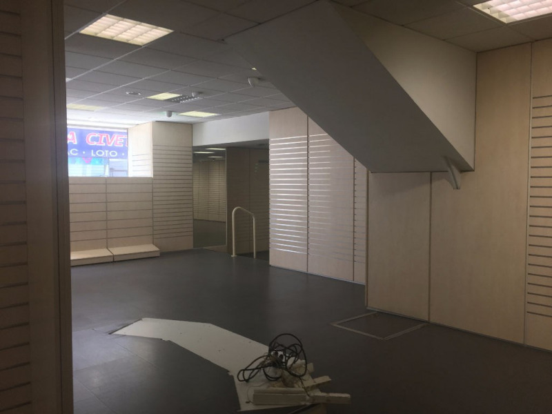 Location local commercial Surgeres 2 066€ CC - Photo 5