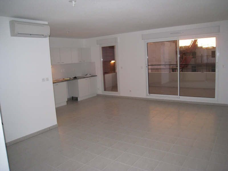 Rental apartment Nimes 820€ CC - Picture 3