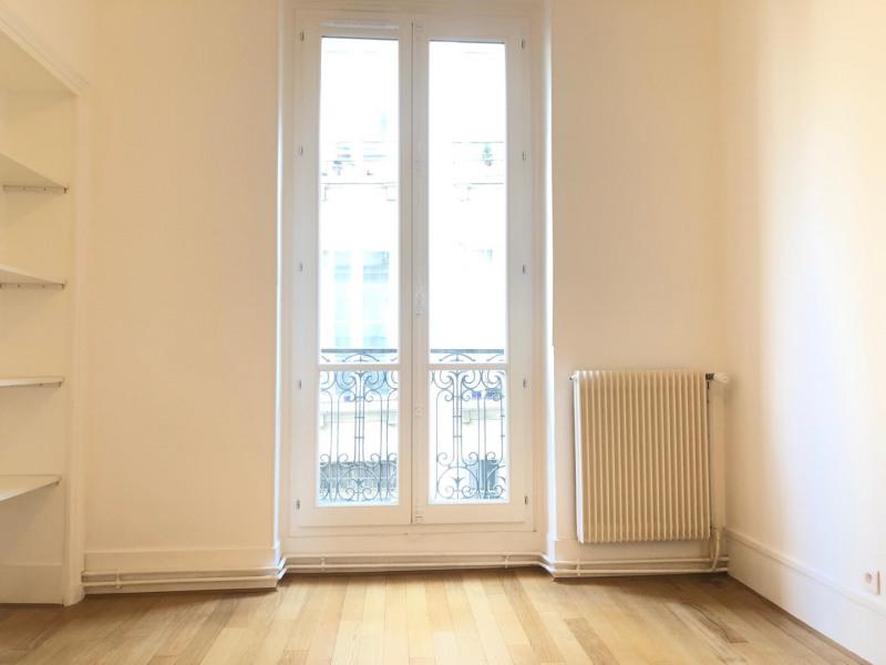 Rental apartment Paris 3ème 2362€ CC - Picture 5