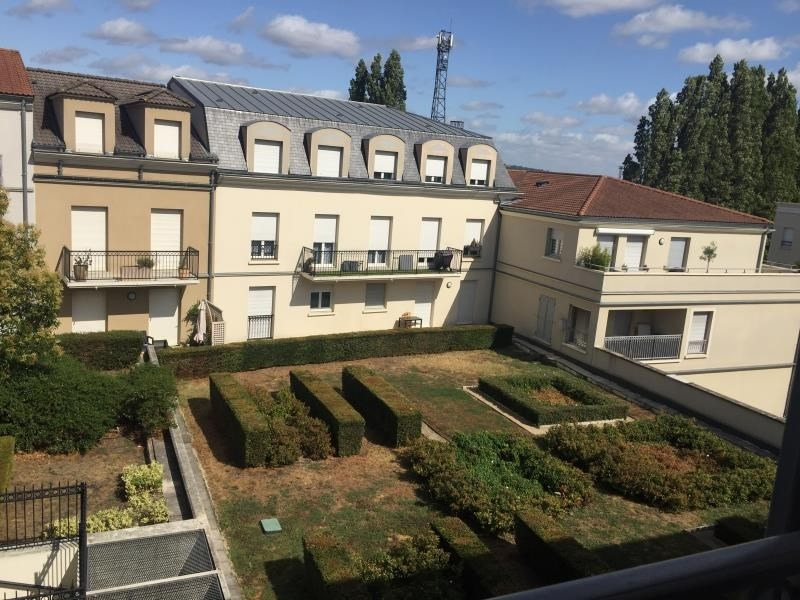 Sale apartment Poissy 305000€ - Picture 6