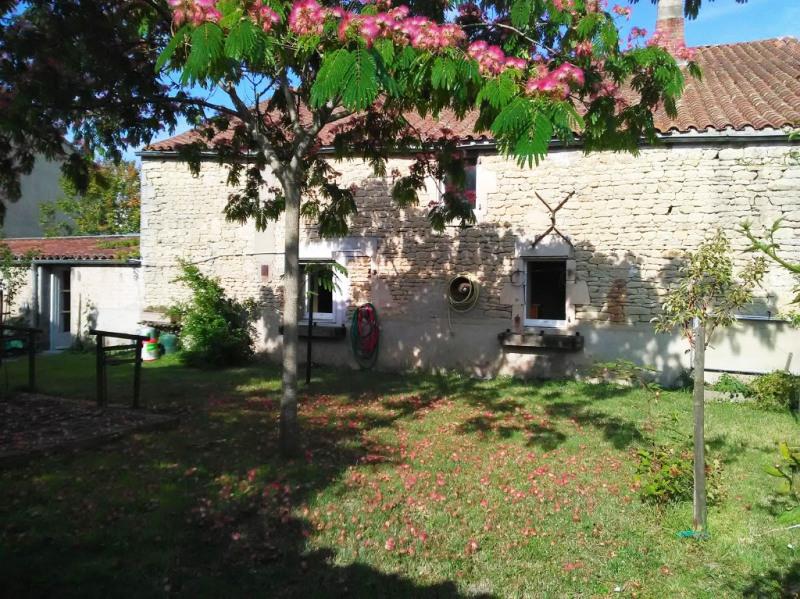 Vente maison / villa Rochefort 165000€ - Photo 1