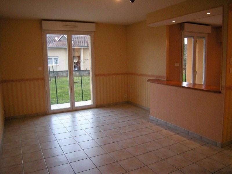 Rental apartment Montrevel-en-bresse 530€ CC - Picture 2