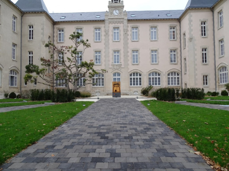 Investment property apartment La rochelle 533645€ - Picture 3