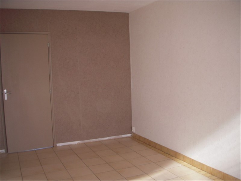 Rental apartment Cannes ecluse 455€ +CH - Picture 3
