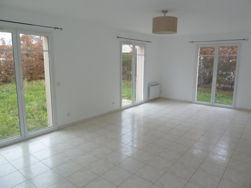 Sale house / villa Maurecourt 370 800€ - Picture 3