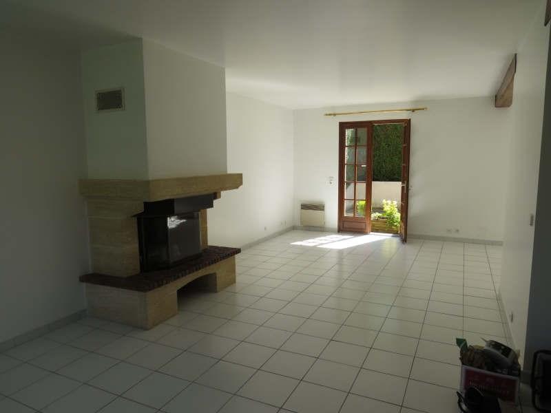 Sale house / villa Le mesnil le roi 895000€ - Picture 2