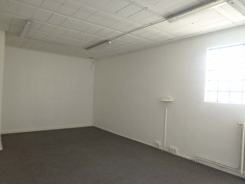 Location local commercial Montreuil 3 000€ HT/HC - Photo 5