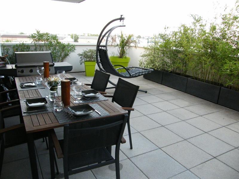 Sale apartment St fons 235000€ - Picture 1
