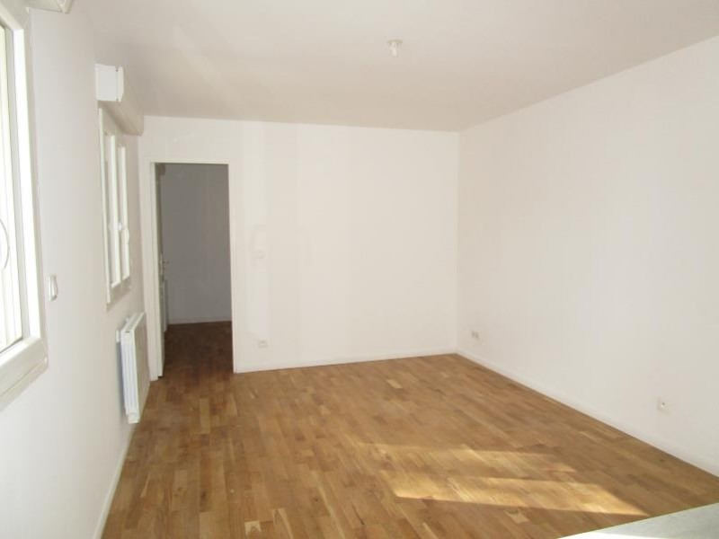 Location appartement Saint cyr l'ecole 740€ CC - Photo 3