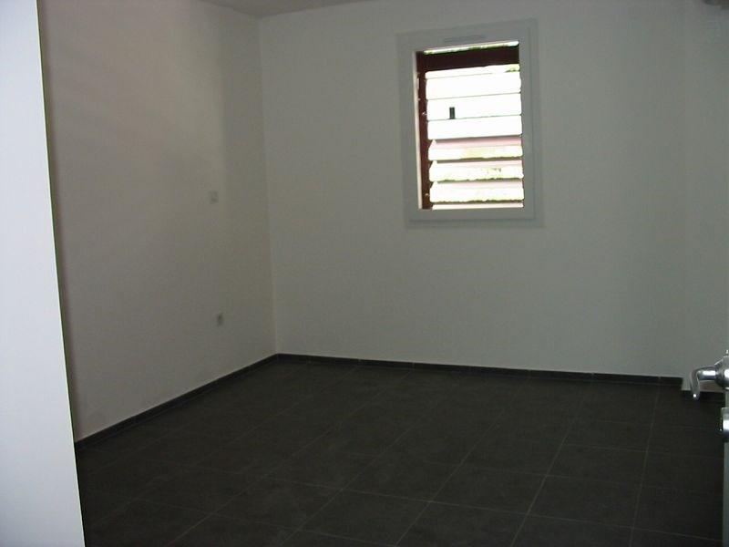 Location appartement Ste clotilde 557€ CC - Photo 5