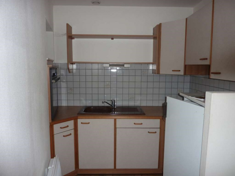 Rental empty room/storage Pontivy 350€ CC - Picture 2
