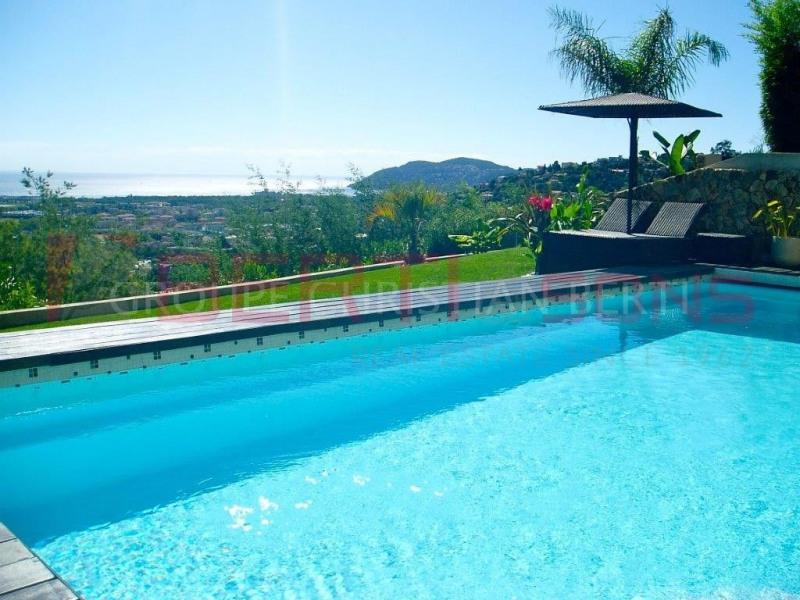 Mandelieu - villa contemporaine de 222m² avec vue mer