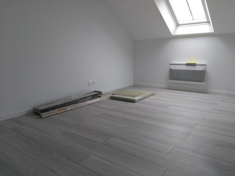 Rental apartment Henonville 830€ CC - Picture 4