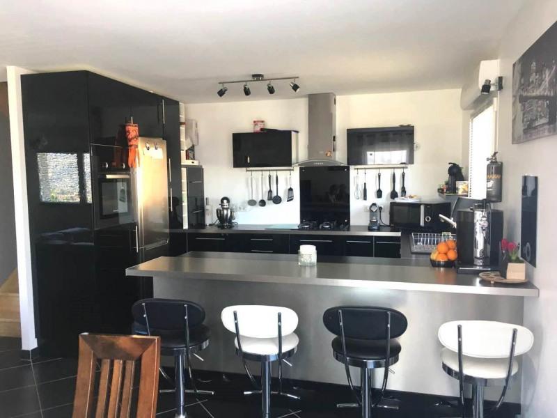 Rental apartment Saint-pierre-en-faucigny 1450€ CC - Picture 2