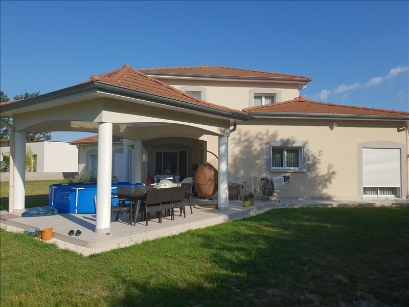 Sale house / villa Riorges 399 000€ - Picture 1