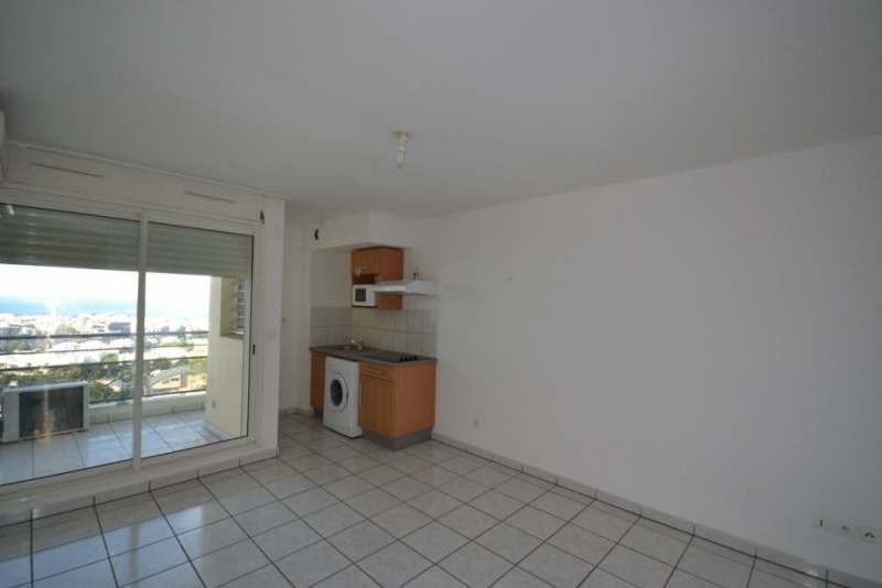Rental apartment St denis 331€ CC - Picture 2